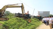 Chính thức tháo dỡ đê Cầu Dâu cũ ở Đô Lương