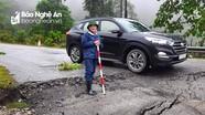 Xuất hiện vết sụt lún đường nghiêm trọng ở dốc Chuối (Quế Phong)