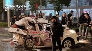 Cô gái ngồi trong taxi nguy kịch sau vụ tai nạn lúc nửa đêm ở thành phố Vinh