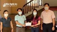 Nhóm Niềm tin trao 20 triệu đồng hỗ trợ gia đình đang cách ly ở xã Hưng Hòa  