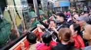 Giây phút quyến luyến, xúc động trong lễ giao nhận quân tại Nghệ An