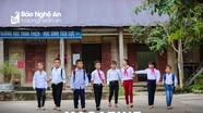 Đường đến trường của học trò Mông ở Phá Kháo