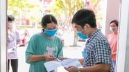 Gần 3.000 thí sinh tham dự kỳ thi vào Trường THPT chuyên Phan Bội Châu và chuyên Đại học Vinh