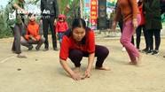 Xem phụ nữ vùng cao trổ tài bắn đá