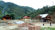 Nghệ An: Người dân bản Vẽ dựng nhà mới sau lũ