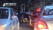 Thành phố Vinh: Tắc đường liên tục vào mỗi sáng ở đường Dương Vân Nga