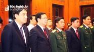 Phó Thủ tướng Vương Đình Huệ dâng hương, dâng hoa tại Khu di tích Kim Liên đêm Giao thừa