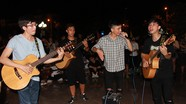 Sôi động đêm du ca của giới trẻ thành Vinh
