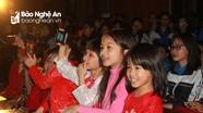 """Ấm áp chương trình """"Vì tiếng cười trẻ thơ"""" của học sinh trường Phan"""