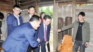 Phó Chủ tịch UBND tỉnh Đinh Viết Hồng thăm, chúc Tết tại Tân Kỳ