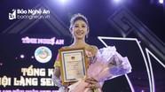 Nữ sinh 18 tuổi giành giải nhất 'Người đẹp Lễ hội Làng Sen'