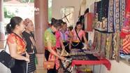 Bảo tồn trang phục dân tộc để trở thành sản phẩm du lịch