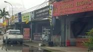 Nhiều cửa hàng cửa hiệu 'không thiết yếu' vẫn vô tư mở cửa