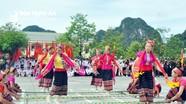 Phát triển văn hóa, con người Nghệ An để xây dựng đời sống văn hóa cơ sở