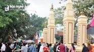 Hàng chục nghìn người về dự Lễ hội Đền Ông Hoàng Mười ở Nghệ An