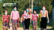 Nữ sinh dân tộc Thái hào hứng với lần bỏ phiếu bầu cử đầu tiên
