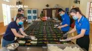 Cận cảnh bữa ăn cho y bác sĩ và bệnh nhân Covid-19 tại Bệnh viện dã chiến số 1