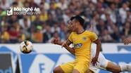 Đấu bù vòng 1 V.League giữa CLB TP.HCM - SLNA: Lợi thế tạm nghiêng về đội khách