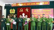 Khen thưởng Ban chuyên án thu giữ 30 bánh heroin ở Nghệ An