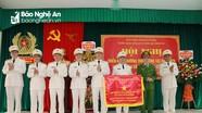 Trung đoàn Cảnh sát cơ động Bắc Trung Bộ đón nhận Cờ thi đua của Chính phủ