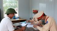 Phát hiện tài xế ở Nghệ An dùng ma túy đá vẫn lái xe