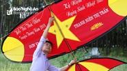 Nhiều con diều khủng trong hội thi thả diều tại Nam Đàn