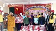 Chùa Phổ Môn trao 189 suất quà cho người nghèo ở huyện Quế Phong