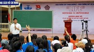 Kỷ lục gia trí nhớ Dương Anh Vũ truyền cảm hứng cho học sinh Thanh Chương