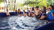Xây dựng bể bơi di động và tổ chức dạy bơi miễn phí cho học sinh