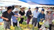 Chộn rộn chợ quê đón Rằm tháng Bảy