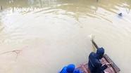 Sinh viên Nghệ An chống chọi với lũ lụt tại Huế