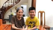 Bé trai 10 tuổi ở Nghệ An trả lại dây chuyền vàng cho cụ bà đánh rơi