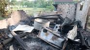 Vợ chồng đi làm vắng, ngôi nhà 2 gian bị cháy trụi lúc nửa đêm