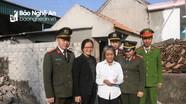 Bàn giao nhà tình nghĩa cho hộ nghèo ở Diễn Châu