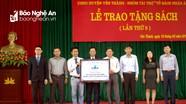 Trao tặng 246 tủ sách cho các trường học huyện Yên Thành