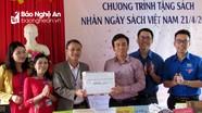 Trao 1.800 cuốn sách cho Trường Tiểu học xã Kỳ Sơn (Tân Kỳ)