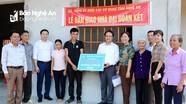 Đảng ủy Khối các Cơ quan tỉnh bàn giao nhà 'Đại đoàn kết' cho hộ nghèo tại Tân Kỳ