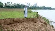 Mưa lớn kéo dài, sạt lở đất sản xuất ven sông Lam