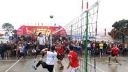 Thi đấu bóng chuyền tại Lễ hội đền Bạch Mã năm 2018