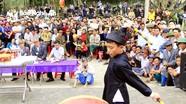 Biễu diễn giao lưu trống tế lễ tại Lễ hội đền Đức Hoàng
