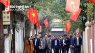 Lãnh đạo Trung ương và địa phương đi chúc Tết các đồng chí lão thành cách mạng ở TP. Vinh