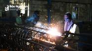 Sản xuất cột bê tông ly tâm ở Công ty TNHH Khánh Vinh tại KCN Bắc Vinh