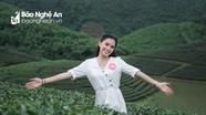 Tân Hoa hậu Việt Nam đẹp rạng rỡ ở đảo chè Nghệ An