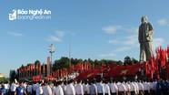 Trang trọng Lễ báo công với Bác Hồ của đại biểu đứng đầu cấp ủy, chính quyền toàn tỉnh