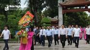Thủ tướng Nguyễn Xuân Phúc dâng hương nhân ngày Thương binh Liệt sĩ tại Nghệ An