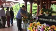 Ban Tuyên giáo Tỉnh ủy dâng hoa, dâng hương tri ân các anh hùng liệt sỹ
