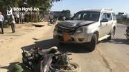 2 vợ chồng nhập viện sau vụ va chạm xe ô tô 7 chỗ với xe máy