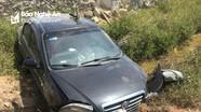 Tai nạn hy hữu, ô tô lao xuống cống ven đường N5