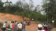 Kinh hoàng phát hiện thi thể đang phân hủy trên đồi