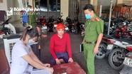 Thành phố Vinh xử phạt 4 người đi chợ không đeo khẩu trang
